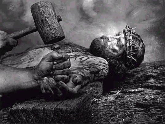 Jesus_nailed_to_cross-793004