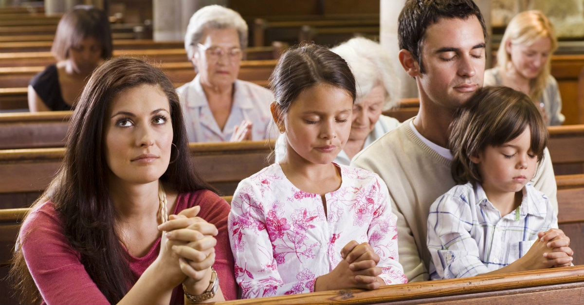 42492-prayinginchurch-church-family-ThinkstockPhotos-86520400